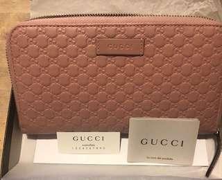 Gucci全新粉色長夾