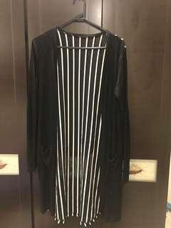 🚚 黑色罩衫外套