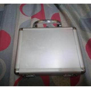 Silver Mini cosmetic case with mirror