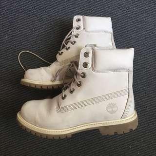 White timberland boots