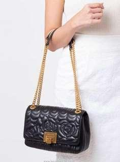 Must buy! Authentic Michael Kors Viviane Floral Quilted Black Tote Bag ❤️