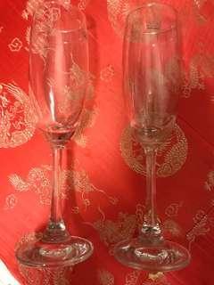 Wine Glasses 酒杯一對