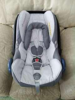 Maxi Cosi Grey Carseat