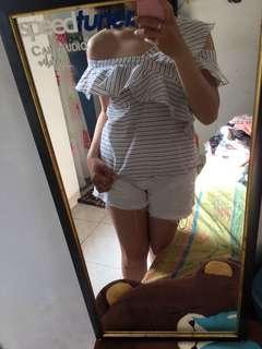 Sabrina salur putih / one shoulder white