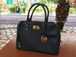 🚚 Michael Kors Handbag