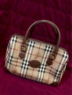 Authentic burberry doctors bag