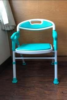 優質可摺合沐浴椅,有靠背及扶手,安全,合長者病者