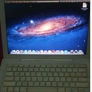 MacBook Early 2008