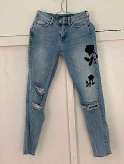 [SOLD] BERSHKA EMBROIDERED JEANS
