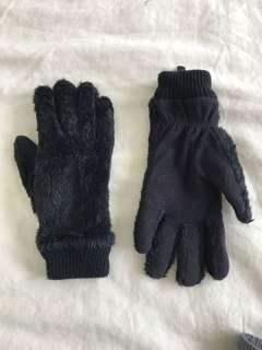 🚚 Black Winter Gloves
