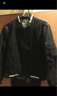 🚚 原價3000多 潮牌5cm 棒球外套 夾克 s號偏小 適合瘦哥 短版不適合太高男生 二手美品 穿不下了便宜賣