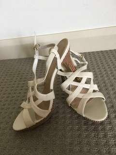 Reduced !!! Brand new Charles & Keith Heels