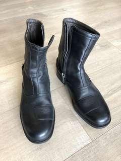 99% new Hogan boots