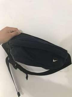 🚚 日本專櫃正品 NIKE 側背 肩背 腰包