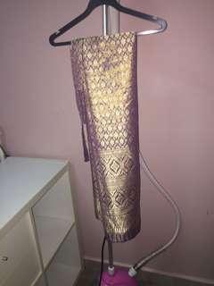 🚚 Traditional wrap skirt / songket