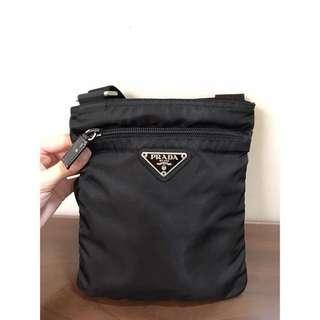 二手正品 PRADA 黑色(小)扁包/斜背包/肩背包