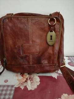 Fossil leather sling bag original