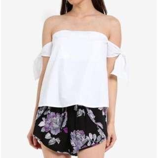 🚚 Cotton on white off shoulder top