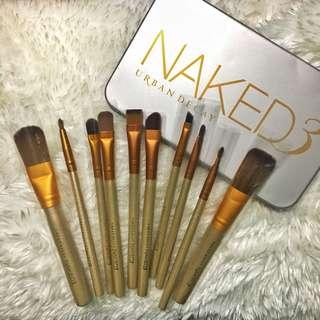 10 Naked 3 MakeUp Brushes