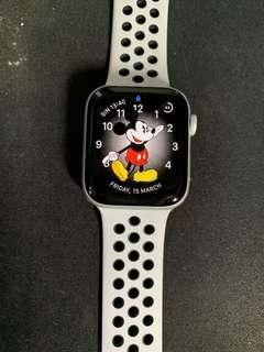 🚚 Apple Watch Series 4