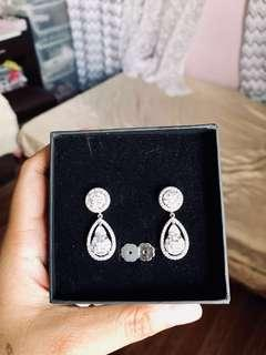 JACATEL EARRINGS USED ONCE!! For rent or for sale