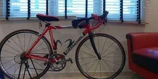 Size 48 cannondale road bike with 105 and dura ace wheels
