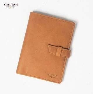 出清優惠 手工牛皮 【CALTAN】簡約穿釦式真皮護照夾