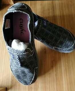 🚚 💯正品英國品牌Cushe 機能舒適布鞋#我單身我驕傲#
