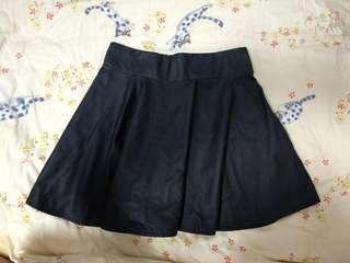 🚚 黑色皮質短裙