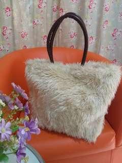 Furry Mocca White