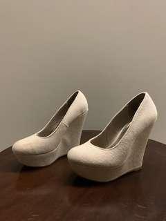 HIGH HEELS / sepatu hak