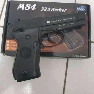 WG M84 BARETA BK