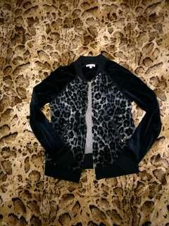 🚚 💯美國精品juicy couture 蜜絲絨豹紋外套📍很潮xs偏大碼📍#我單身我驕傲#