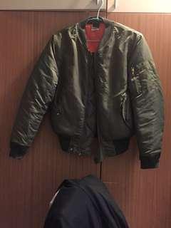 🚚 版型修身 超帥飛行外套 ma1 夾克 軍綠 s-m號 九成 便宜賣 alpha
