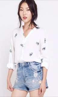 🚚 TWL Floral Top in white