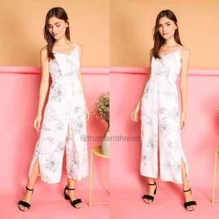 🚚 TSW Betsy Floral Slit Jumpsuit in white