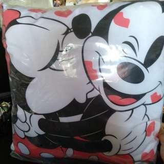 [RARE] Mickey & Minnie mouse Kuji - Price A