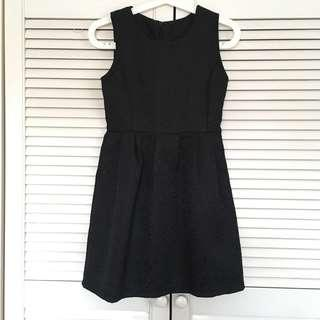 🚚 Black Dress with embossed Material