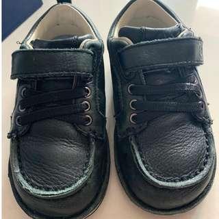 Stride rite返學鞋