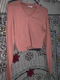 Cut out long sleeve crop/ fits M/L