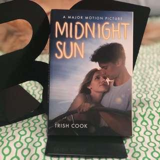 🚚 Midnight Sun by Trish Cook