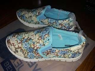 Bench Floral Rubber Shoes