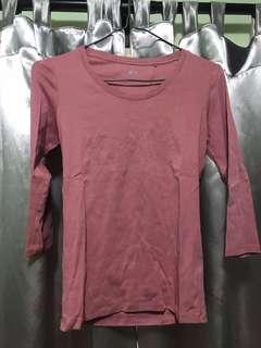 Uniqlo 粉紅中袖上衣