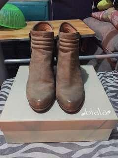 Biala Boots