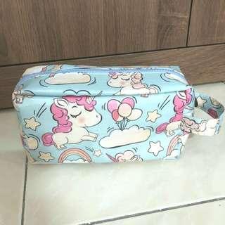 🚚 獨角獸彩虹小馬手提化妝包收納包筆袋萬用包