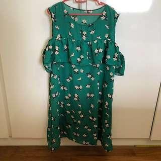 🚚 BN green white floral ruffles cold shoulder off sleeveless chiffon dress