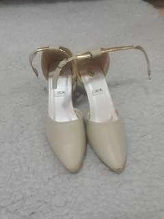 Creme High heels