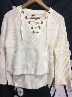 前短後長米白色冷衫