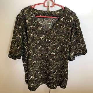 🚚 BN Olive green floral kimono ruffles sleeve