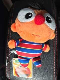 🚚 BNWT Ernie Plush Toy Plushie Beanie